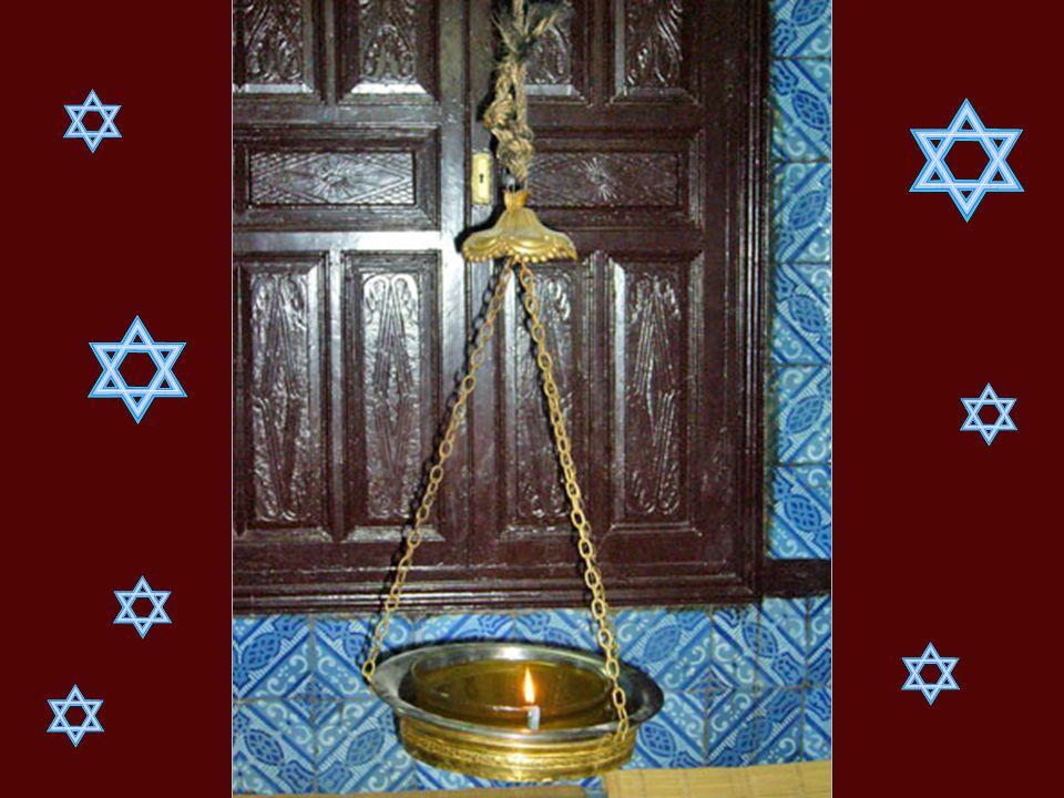 La Torah conservEe ici serait l'une des plus vieilles du monde.