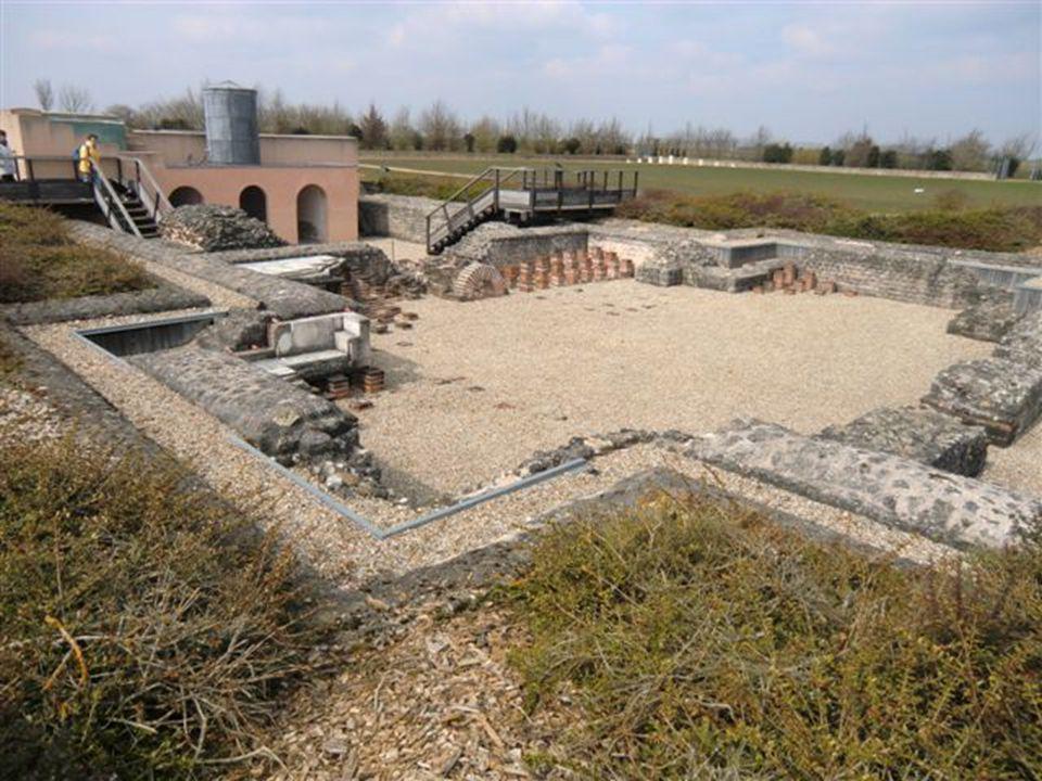 De nombreux panneaux explicatifs sont là pour nous montrer ce que devait être cette ville antique romaine Le site archéologique de Gisacum au viel-Evr