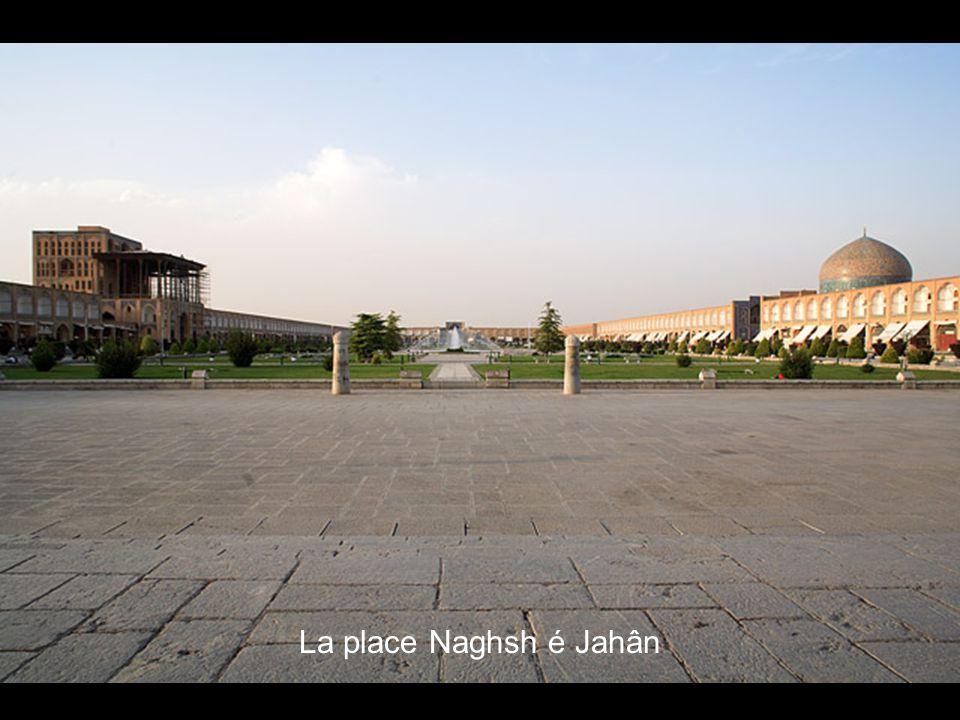 La place Naghsh é Jahân