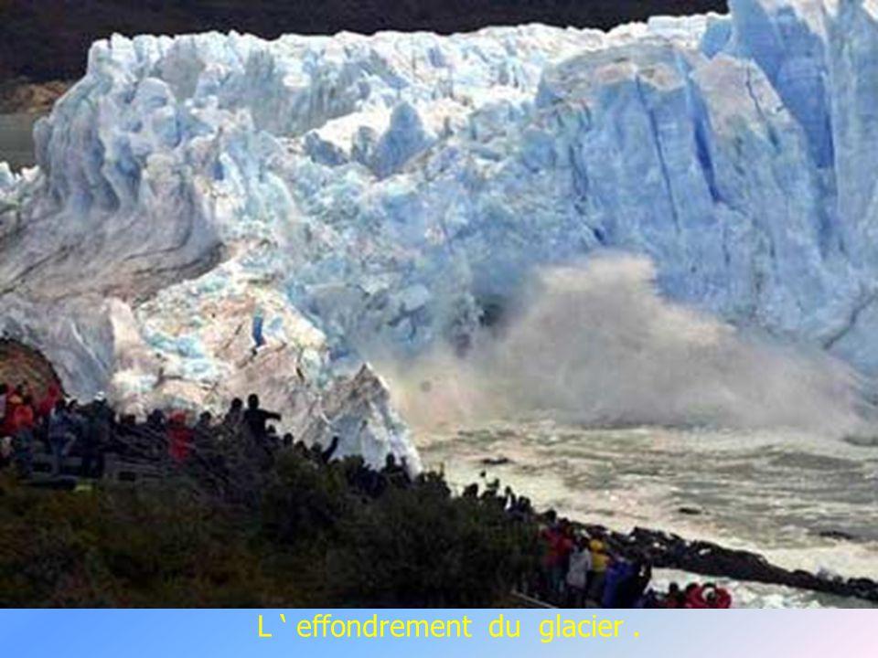 La glace bleue provenant de nombreux glaciers.