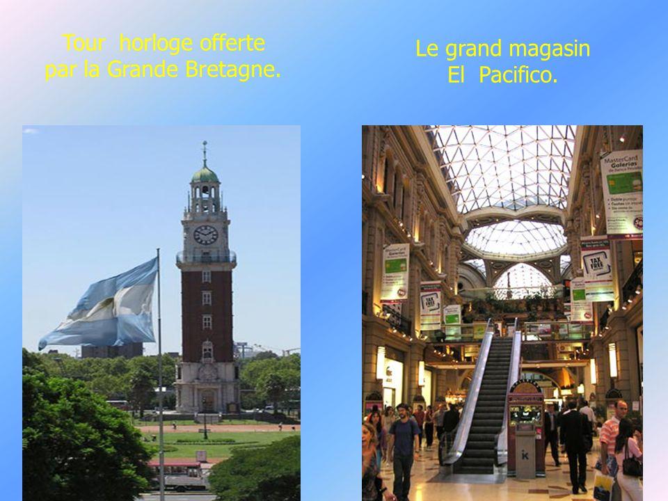 la plus grande ville est Buesnos Aires,capitale de 3 millions dh, 8 avec sa banlieue et 11 pour l agglomération,soit le tiers du pays. La rue Florida,