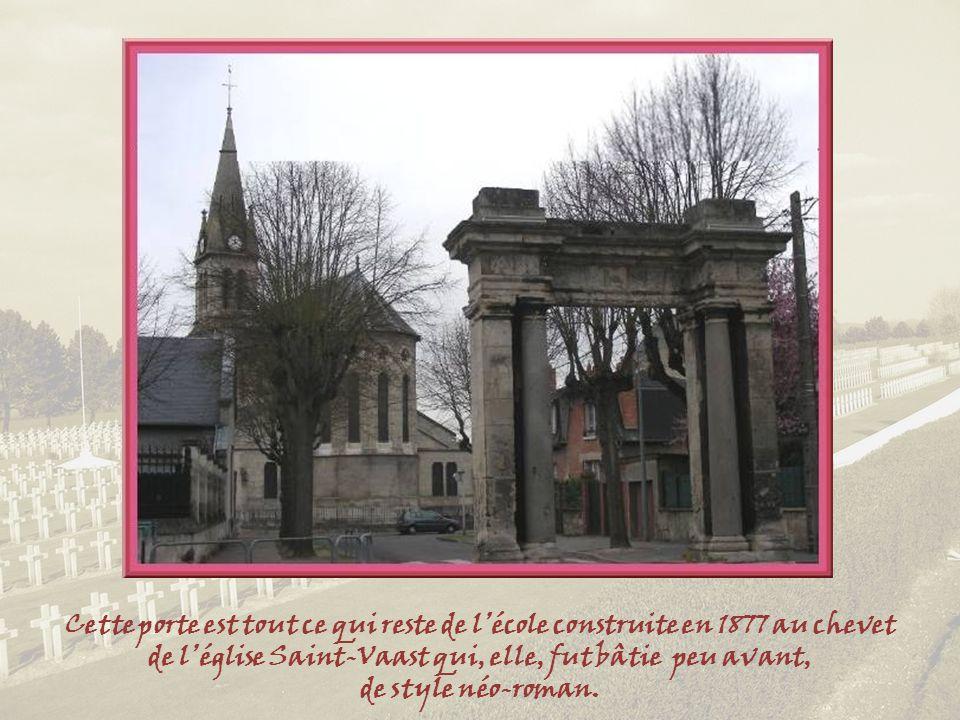 Soissons fut le siège de plusieurs monastères et abbayes. Ils feront lobjet dun second diaporama. Cependant, dans la diapositive suivante, à proximité
