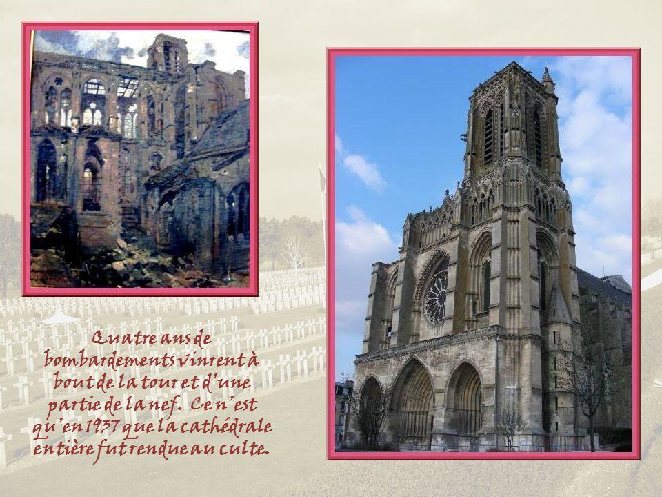 La cathédrale Saint Gervais et Saint Protais, la troisième des grandes cathédrales du Nord de la France, fut érigée entre les XIIe et XIVe siècles.