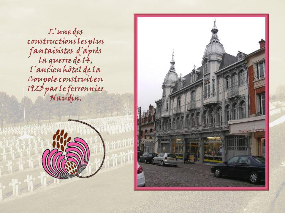 Lune des artères principales, la rue Saint-Martin et le Palais de Justice.