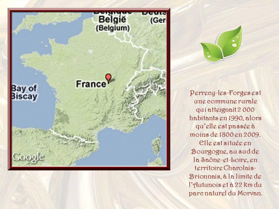Perrecy-les-Forges est une commune rurale qui atteignait 2 000 habitants en 1990, alors quelle est passée à moins de 1800 en 2009.