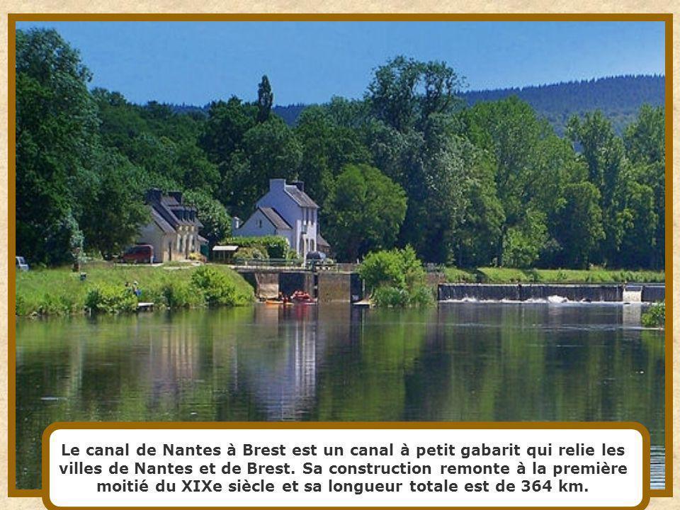 Le canal de lOurcq est un canal du Bassin parisien suivant dans un premier temps le cours de l'Ourcq, avant de s'en séparer à Mareuil-sur-Ourcq pour r