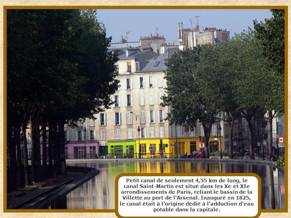 Le canal Saint-Denis est un canal long de 6,6 km qui relie la gare circulaire du canal de l'Ourcq (près du parc de la Villette) à Paris, à la Seine su