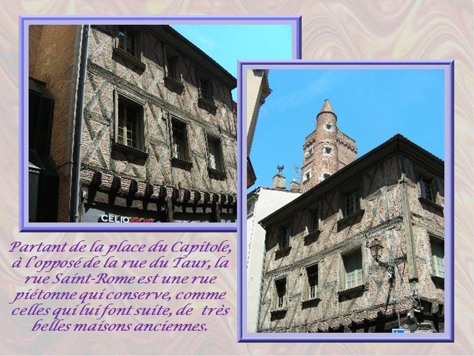 Le siècle dor de Toulouse se situe entre 1463 et 1560. Cest alors lapogée du commerce du pastel. Cette plante donne une superbe couleur bleue. Elle fu