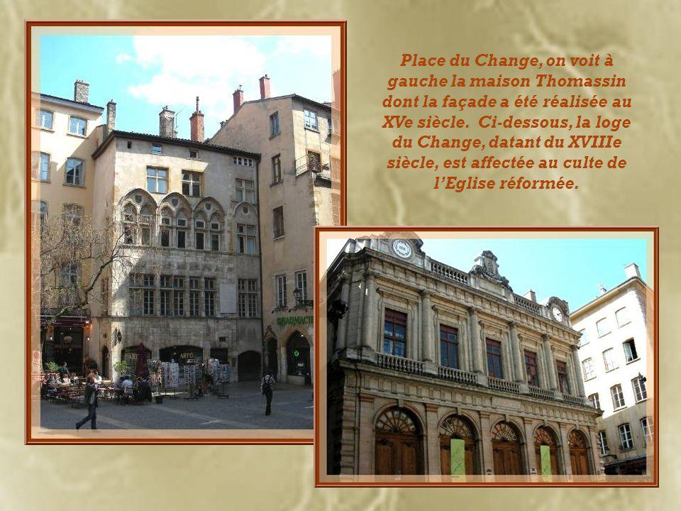 Deux cours de la fin du XVe siècle ont été harmonieusement réunies...