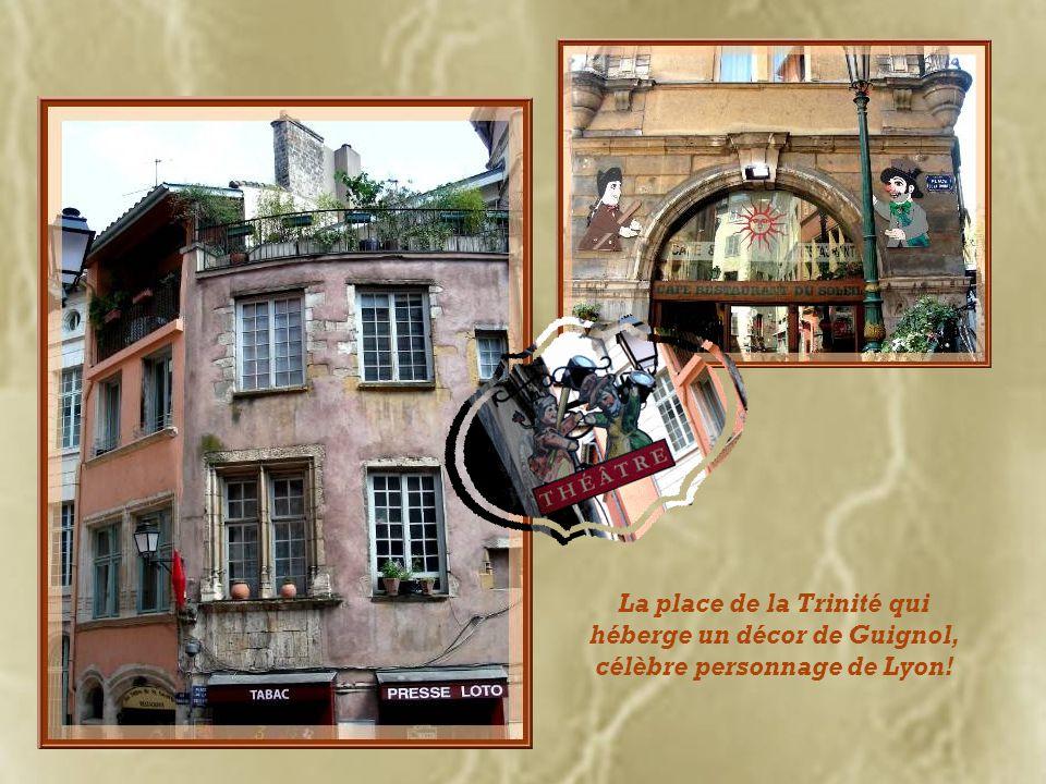 Rue du Bœuf dont leffigie est, en fait, un taureau… Elle fait suite à la rue Juiverie.