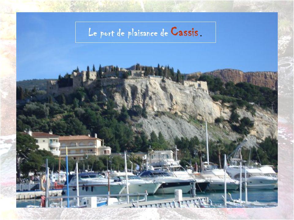 Cassis est une commune du département des Bouches-du-Rhône et de la région administrative Provence-Alpes-Côte d Azur.