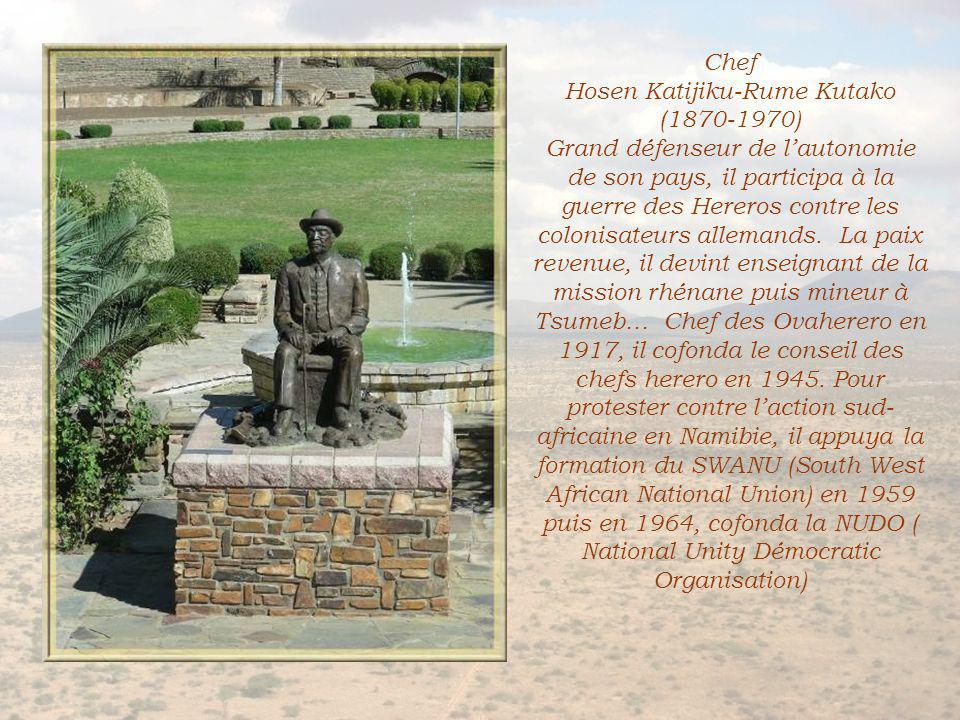 … ci-dessus, Henrich Samuel Whitorn (108-1978), deux hommes marquants dans le passé du pays.