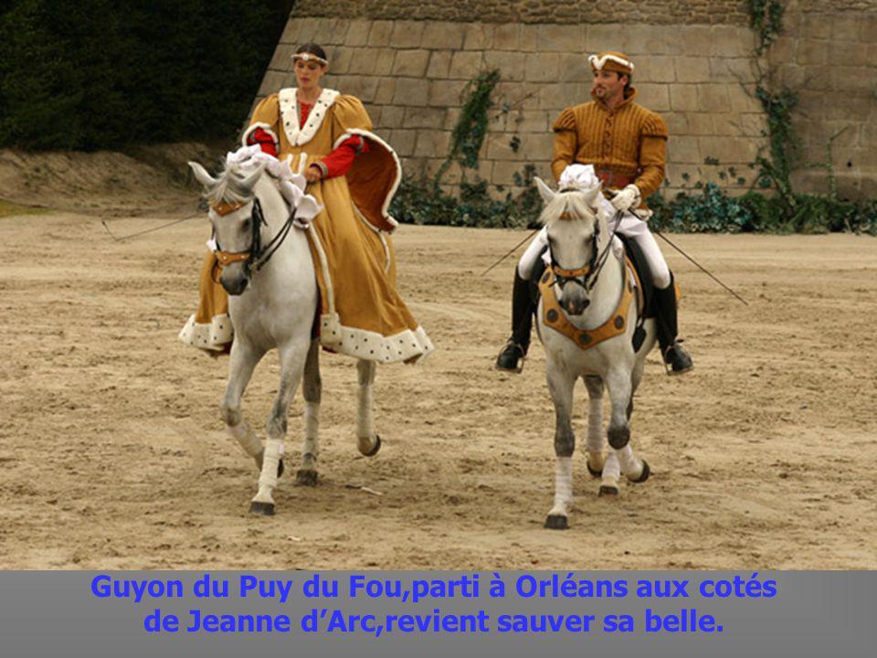 La cavalerie se lance à lassaut du Donjon.
