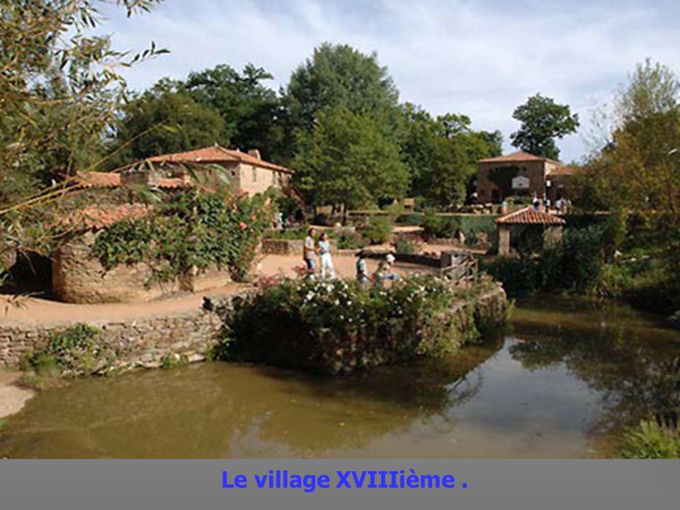 Le Puy du Fou est lun des Parc dattraction les plus visités de France.