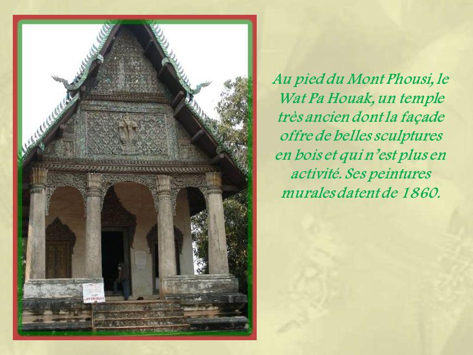 Temple non terminé qui devrait accueillir le fameux bouddha Prabang.