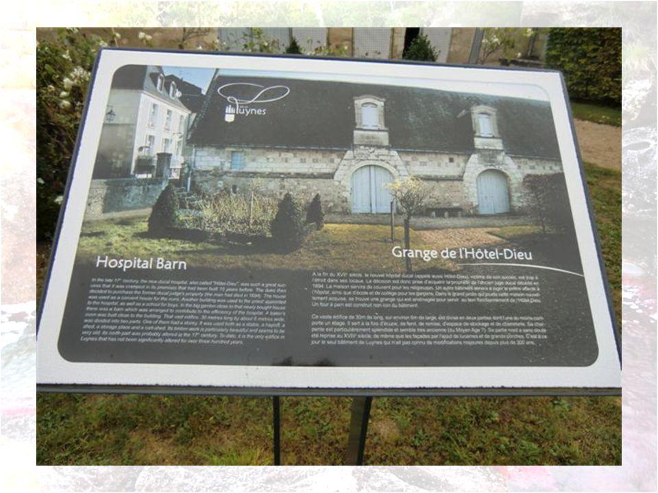 Lassociation les Grandes Bottes ouvre exceptionnellement les portes de sa cave troglodytique et initie à la pratique de la Boule de Fort.