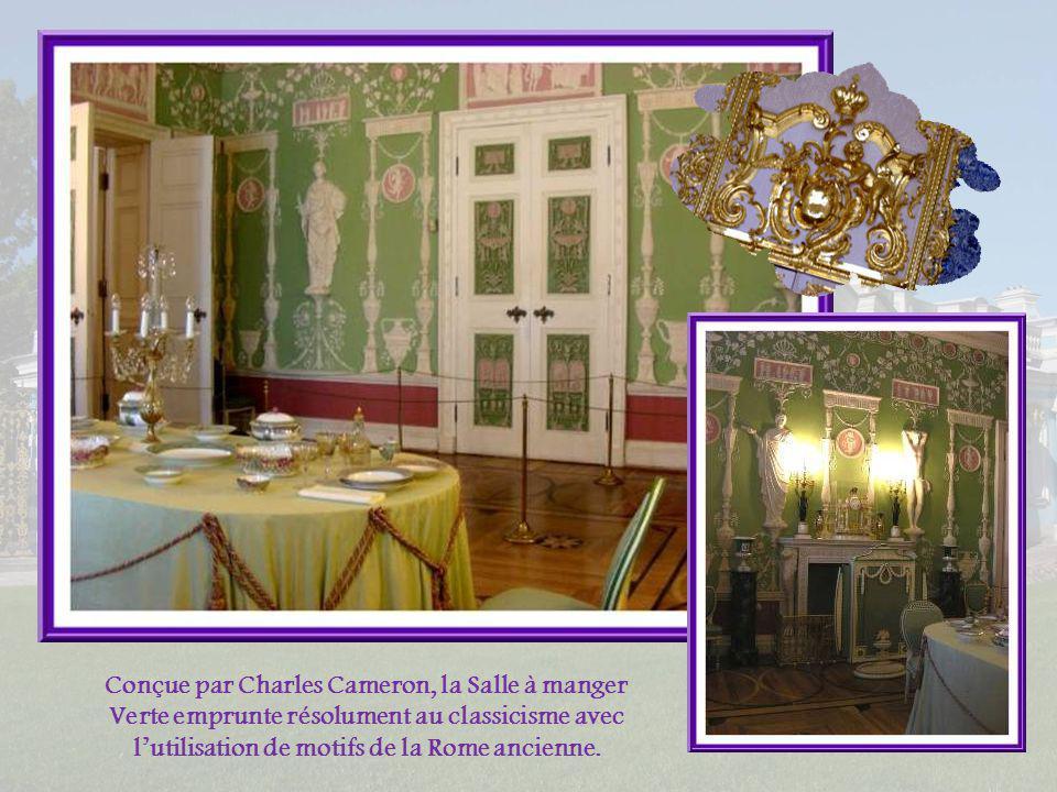 Le Salon dAlexandre Ier et, ci- dessous, lune des poignées de portes qui sont toutes sur ce modèle.