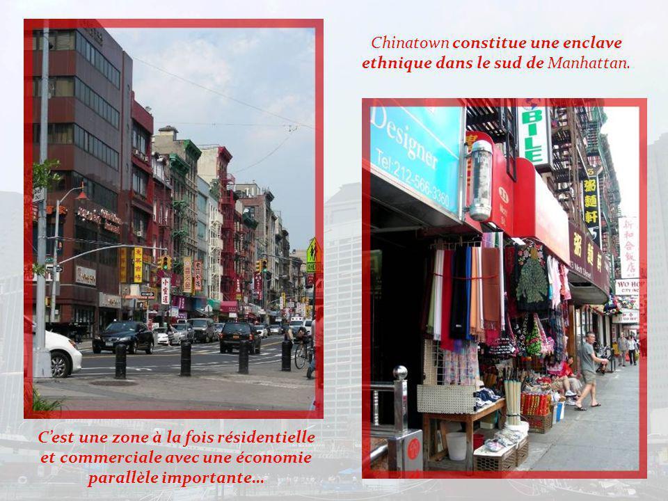 Lin Ze Xu nous accueille à lentrée du quartier chinois.
