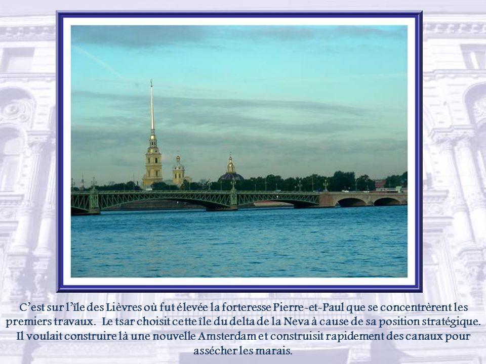 Lancienne capitale de la Russie fut fondée par le tsar Pierre Ier le 27 mai 1703.