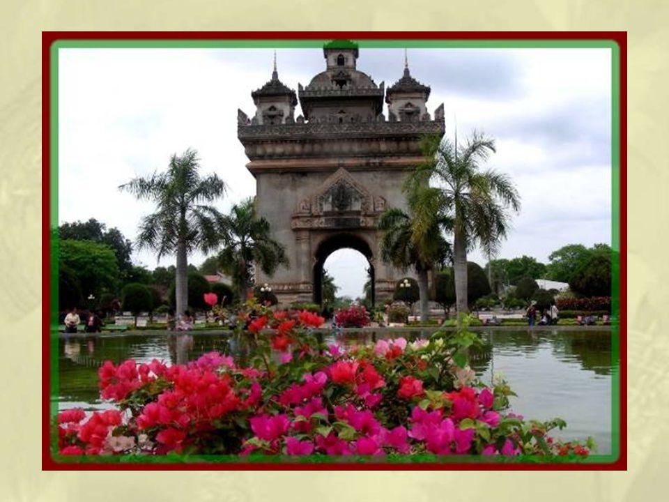 La Porte de la Victoire fut construite en 1962 à la mémoire des victimes des guerres prérévolutionnaires.