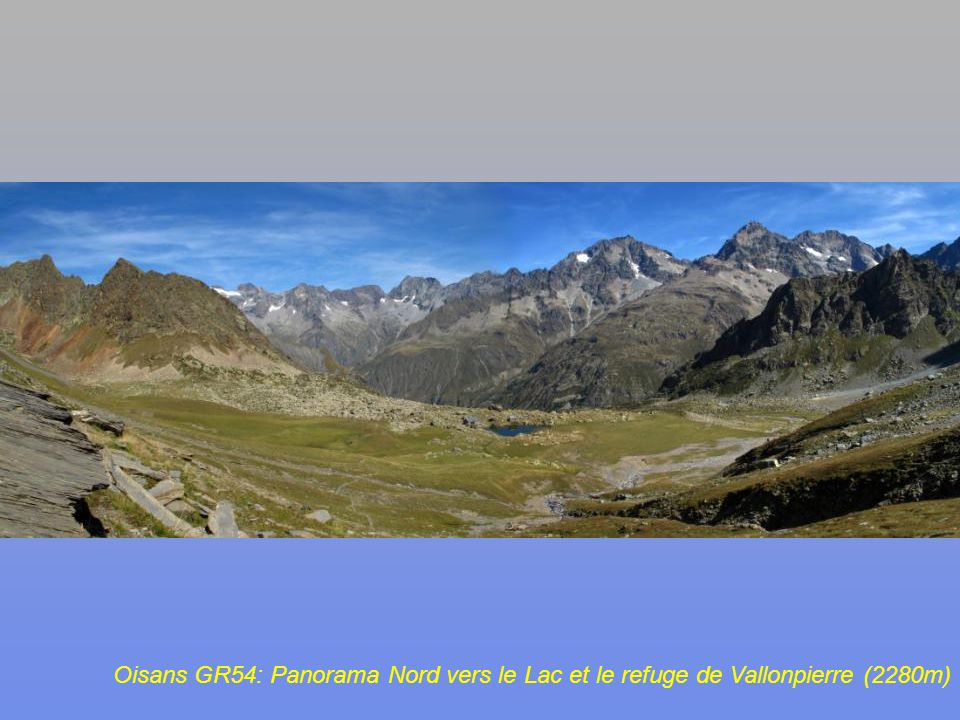 Oisans GR54: En montant dans les schistes du Col de Vallonpierre (2607m): retro-vue vers le Sud-Ouest, le Col de Gouiran (2597m)