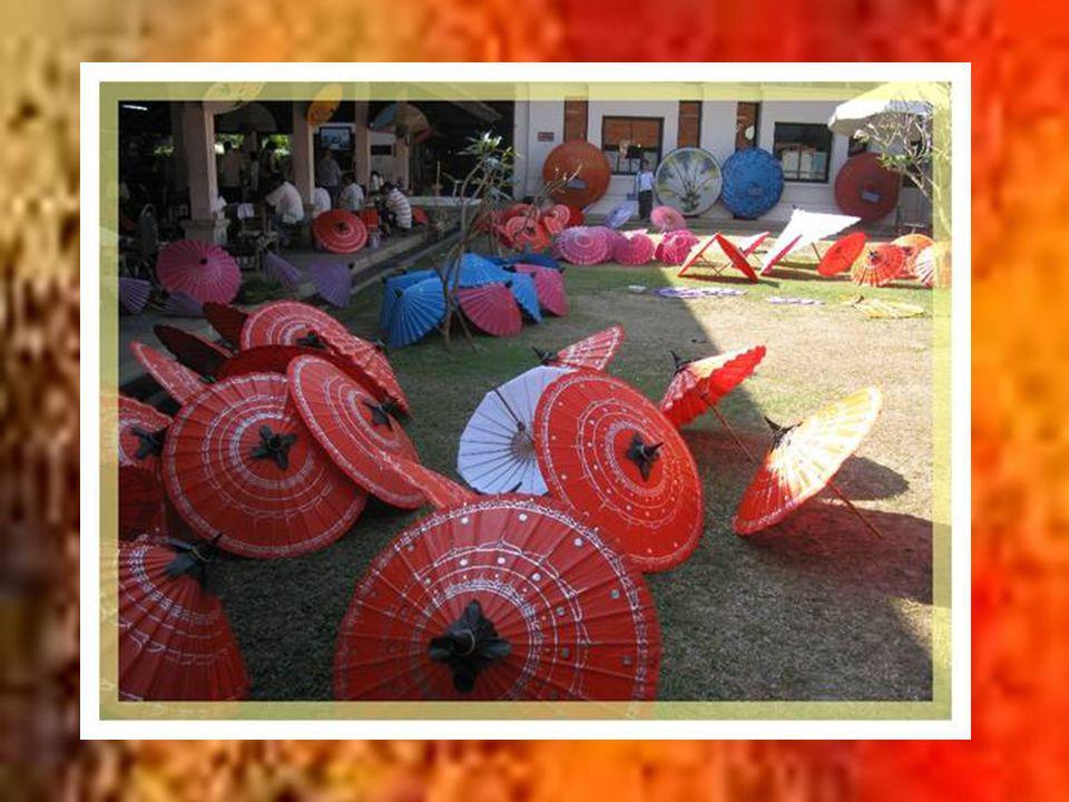 Un des aspects qui séduisent le plus le touriste cest la richesse de lartisanat de la région.