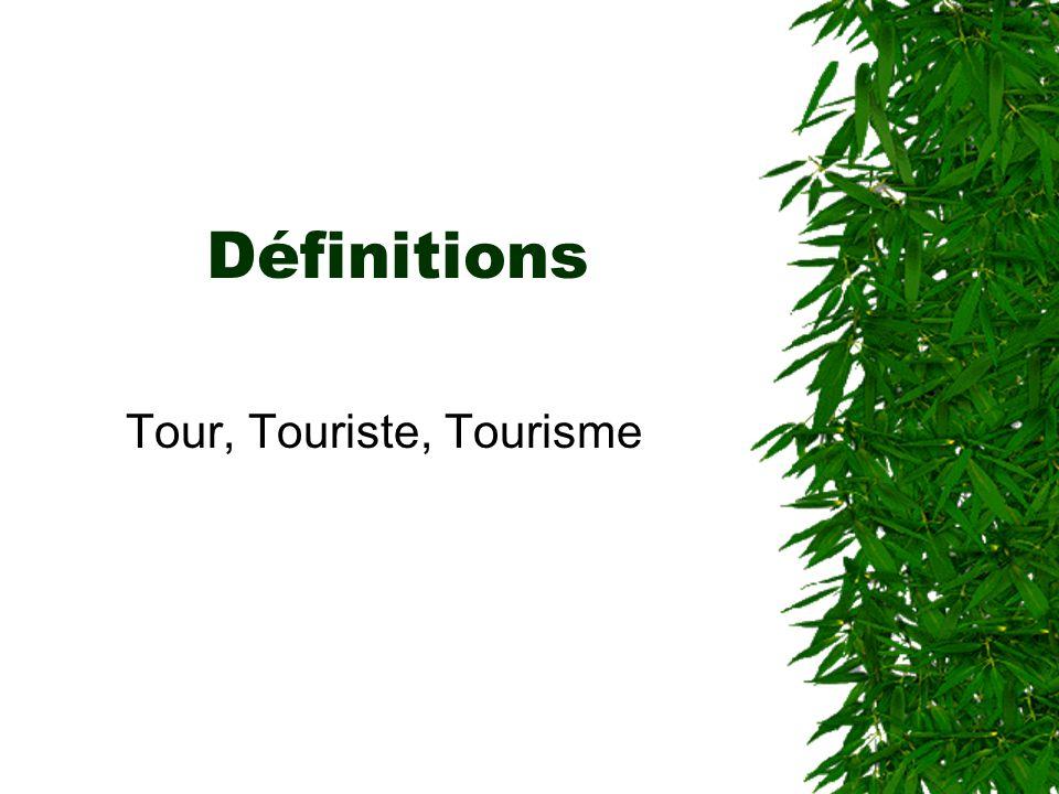 1937 La SDM (Société des Nations, ancêtre de lONU) Le touriste : –« Toutes personnes qui voyageant pour son agrément, séloigne pendant plus de 24h et moins dun an de son domicile habituel, les déplacements de moins de 24h étant des excursions.