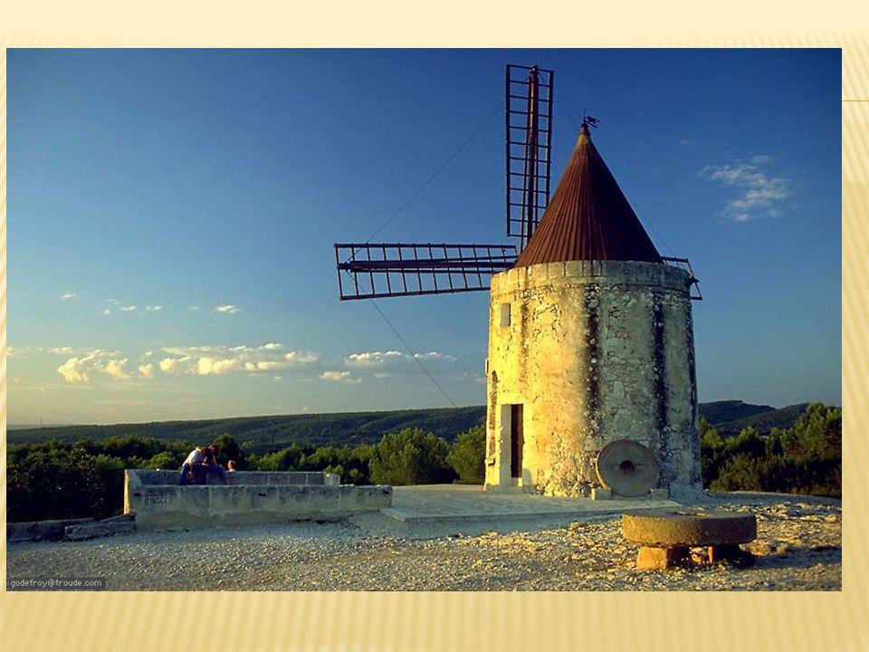 http://www.vaucluse -visites- virtuelles.com/glvirt ualbluepopouts/font vieille-moulin- daudet.html