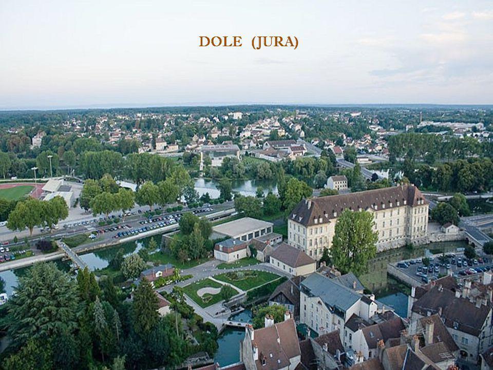 DOLE - JURA – (France) Situé dans le département du Jura, classée ville dArt et dHistoire, Dole a un très riche patrimoine architectural. Blottie auto