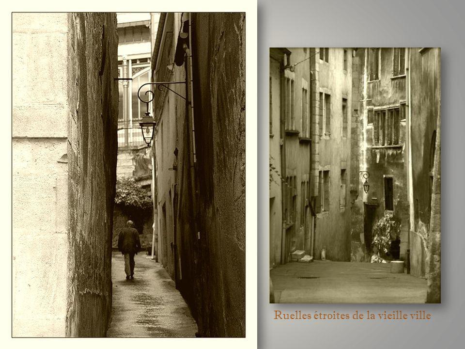 Ruelles étroites de la vieille ville