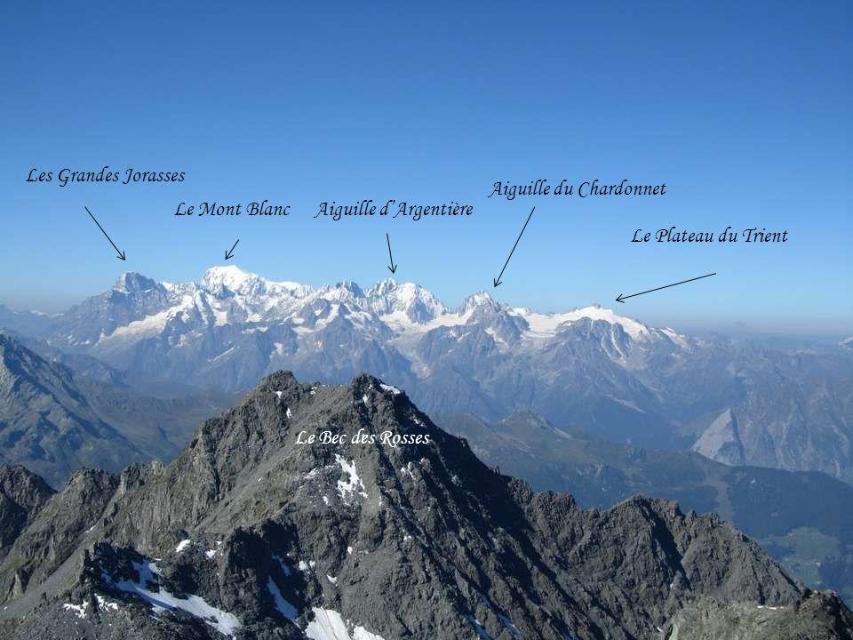 Et si nous faisions encore 10 mètres de plus ? Pour voir les montagnes à 360°