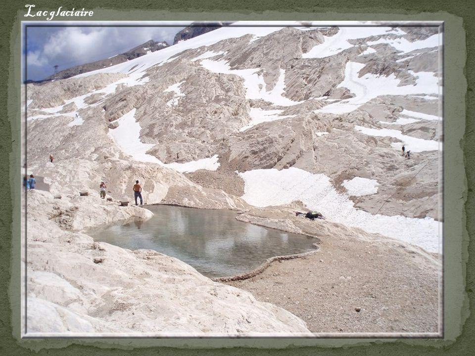 Le glacier de la Marmolada ( à plus de 3000m)