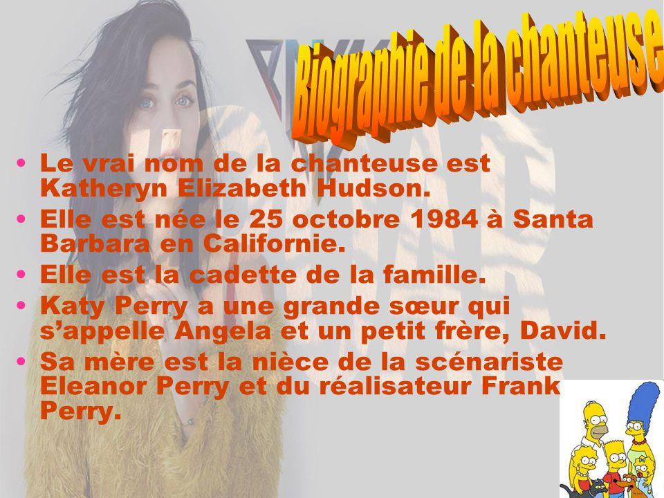 Katy Perry est diplômée de la Dos Pueblos High School à Goleta en Californie en 2003 et déménagea aussitôt à Los Angeles alors qu elle n avait que 18 ans.
