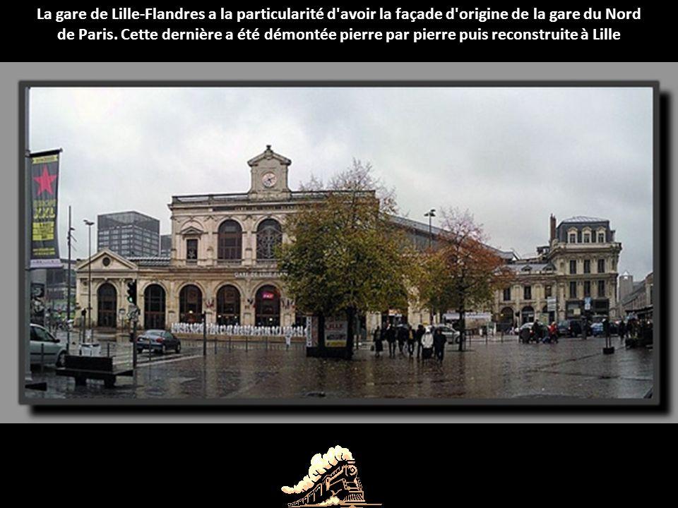 La gare de Trouville-Deauville est représentative de l'architecture de sa région, elle ressemble en effet à un manoir normand.