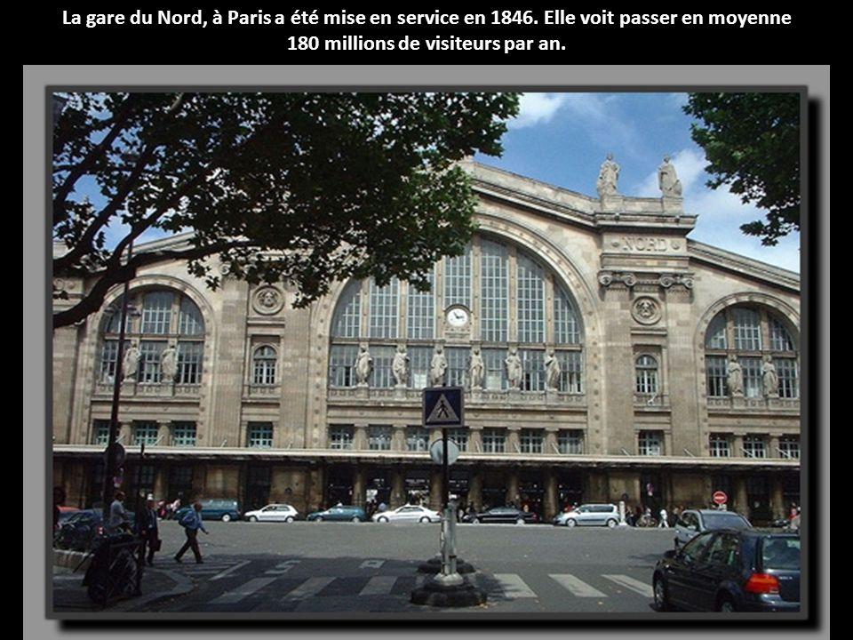Les plus belles gares de France Situées en pleine campagne ou au cœur des villes, elles voient passer des milliers, voire des millions de voyageurs ch