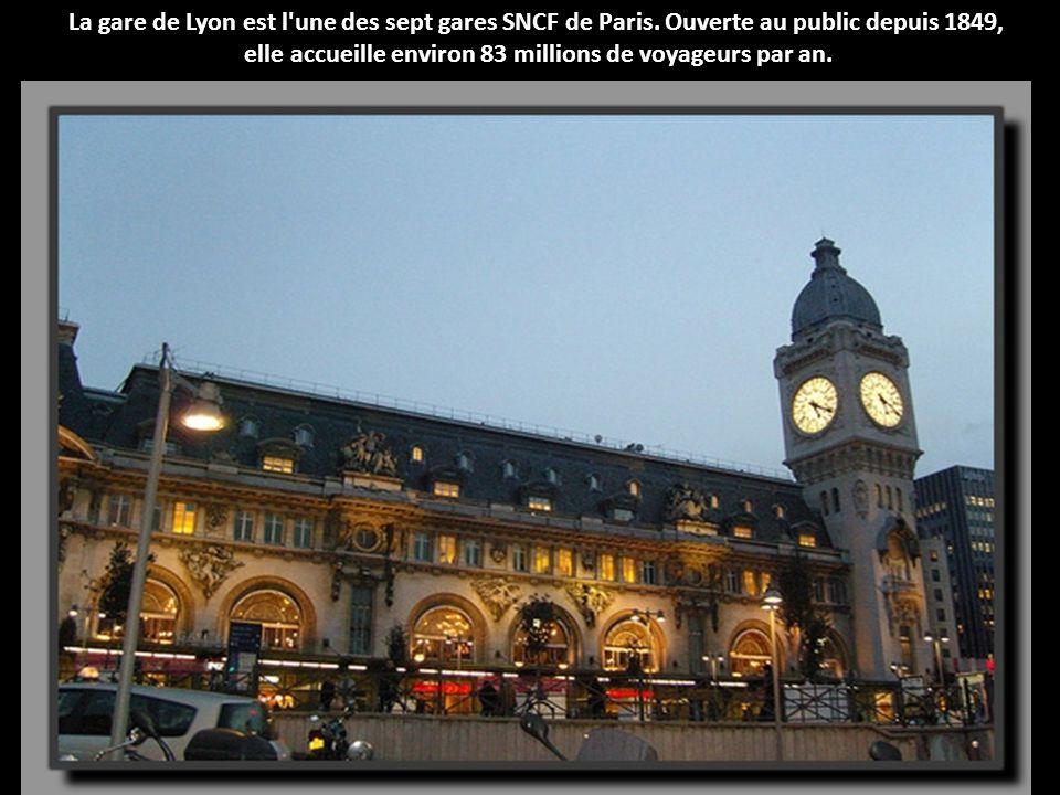 La gare du Nord, à Paris a été mise en service en 1846. Elle voit passer en moyenne 180 millions de visiteurs par an.