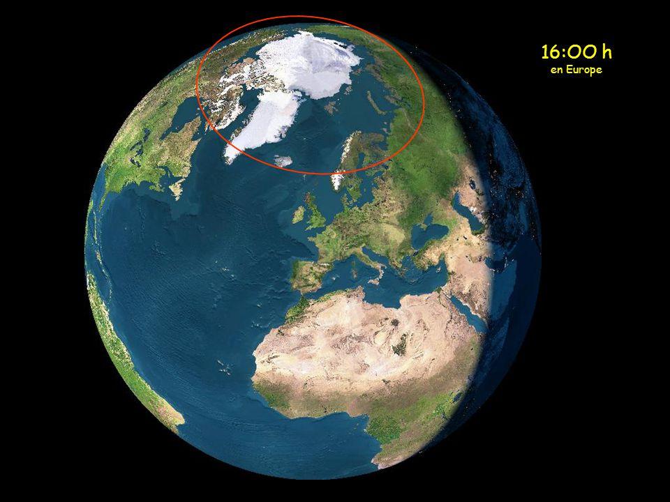 Lorsquil sapproche du cercle polaire Arctique, le soleil, au lieu de se coucher, recommence a monter.