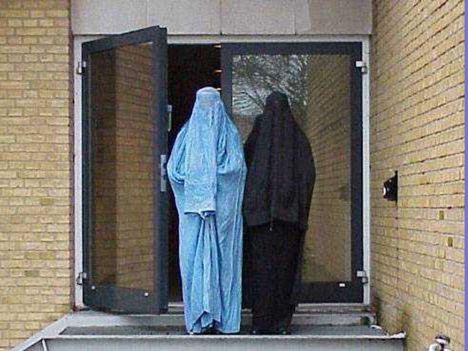Lorsquune femme est enceinte, les afghans disent quelle est malade.