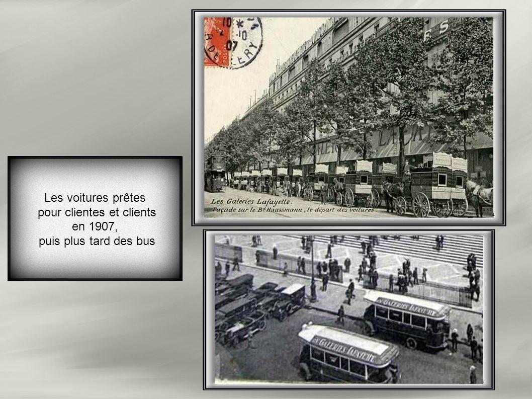 Les voitures prêtes pour clientes et clients en 1907, puis plus tard des bus