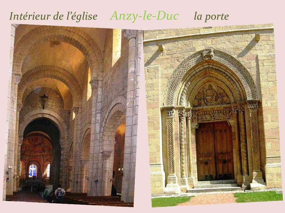 Anzy-le-Duc église érigée. entre le XIe et XIIe siècle