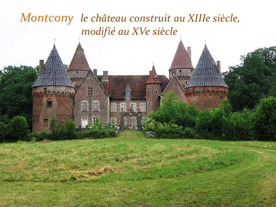 Perrecy-les-Forges le prieuré, léglise actuelle a été construite entre 1020 et 1030