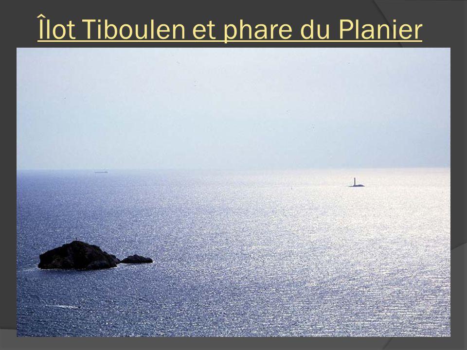Îlot Tiboulen et phare du Planier