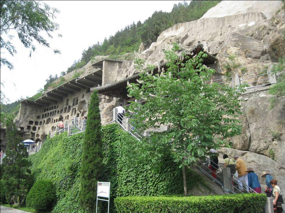 Dautres Français sont venus visiter les grottes avant nous …