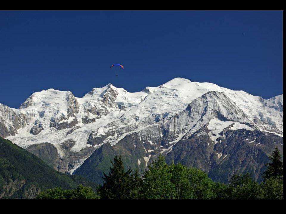 Le plateau dAssy, avec vue sur le Mont-blanc