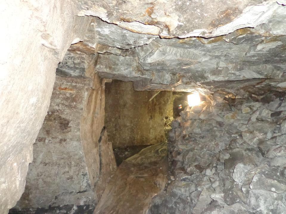 Vue vers le haut dun puits bien refermé