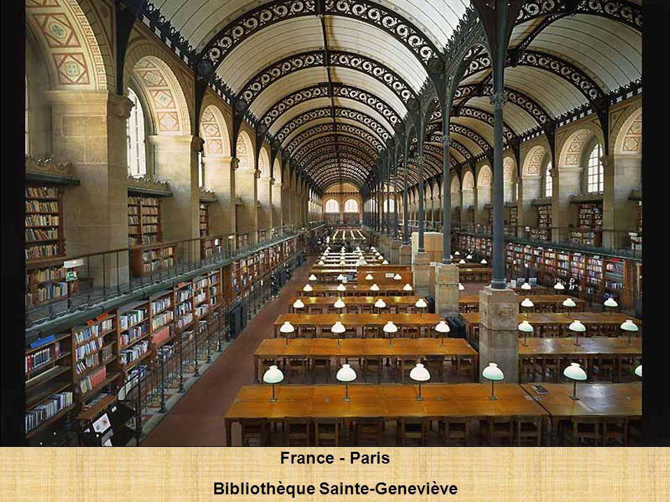 France - Paris Bibliothèque Sainte-Geneviève