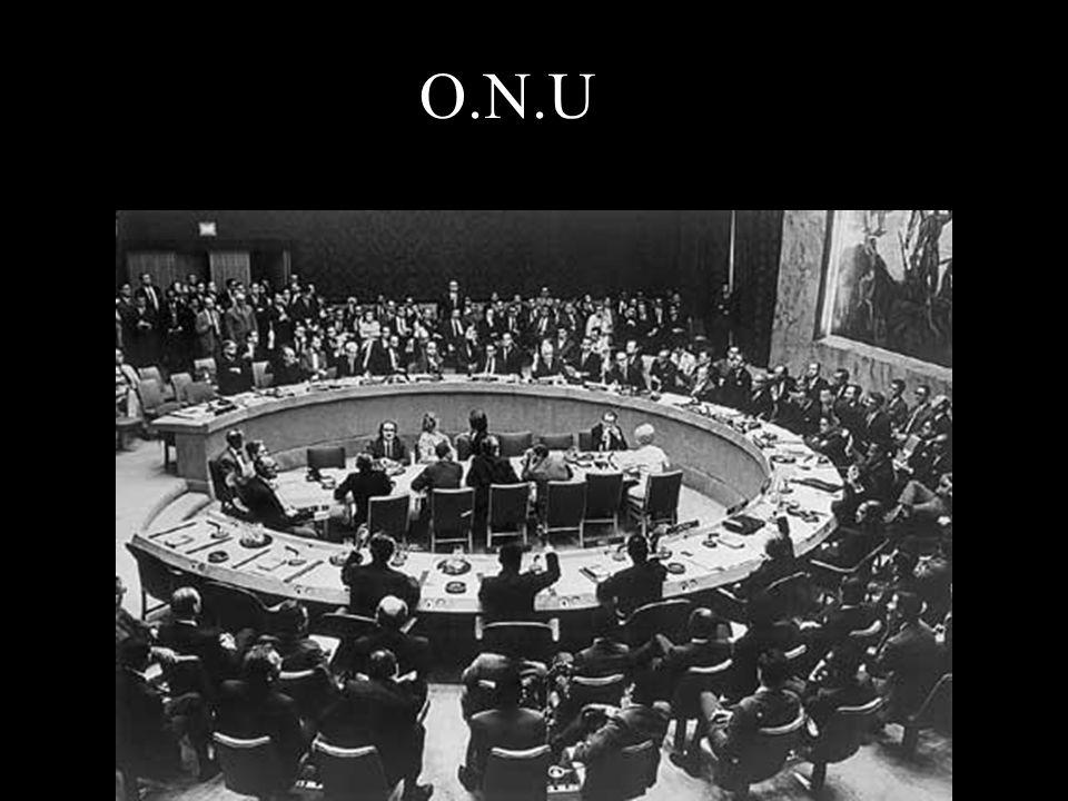 CREATION DE L O.N.U La création d'une Organisation des Nations unies, chargée d'arbitrer les conflits internationaux, est décidée à Yalta. L'organisat