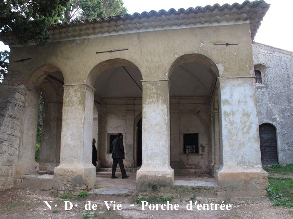 N. D. de Vie - Porche d ' entrée