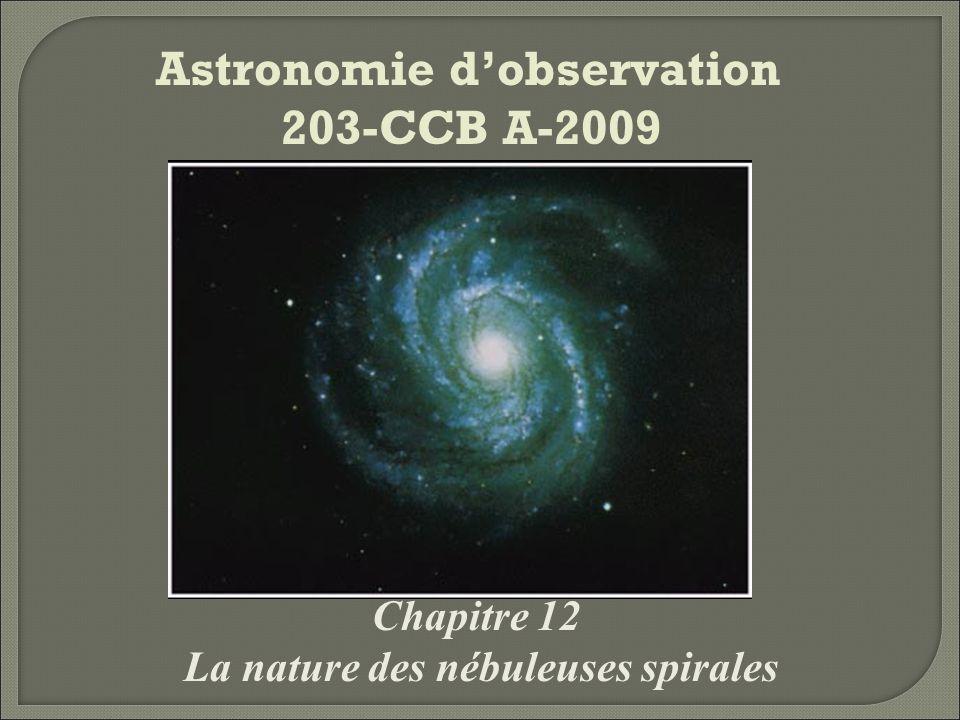 Une brève histoire du centre de lUnivers Les astronomes de lAntiquité connaissaient déjà lexistence de la Galaxie, ou Voie lactée, cette bande « laiteuse » qui traverse le ciel.