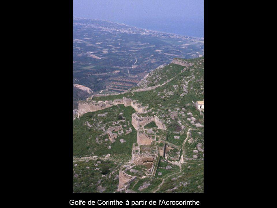 Listhme de Corinthe à partir de lAcrocorinthe